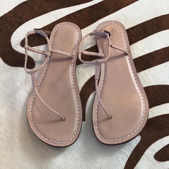 7691d7e2279 Bernardo sandals. M 5ae64536077b97160f9f9112